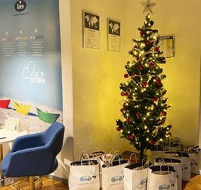 Eden skänker julglädje till Kvinnojouren!
